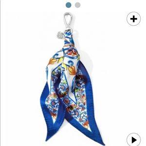 Brighton piatto scarf fob